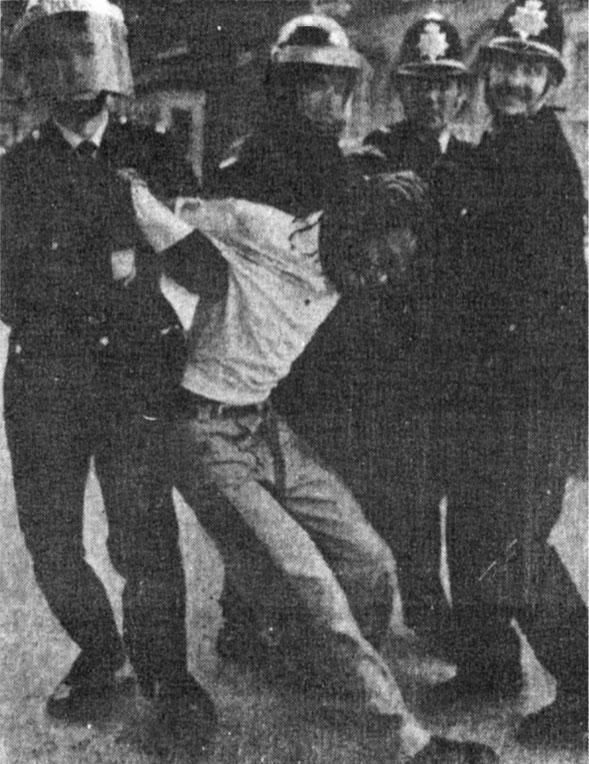Fotografía tomada del artículo original, Opción 43/44, 1989.