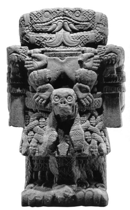 Coatlicue, cultura mexica, 1440-1469, piedra. Museo Nacional de Antrología.